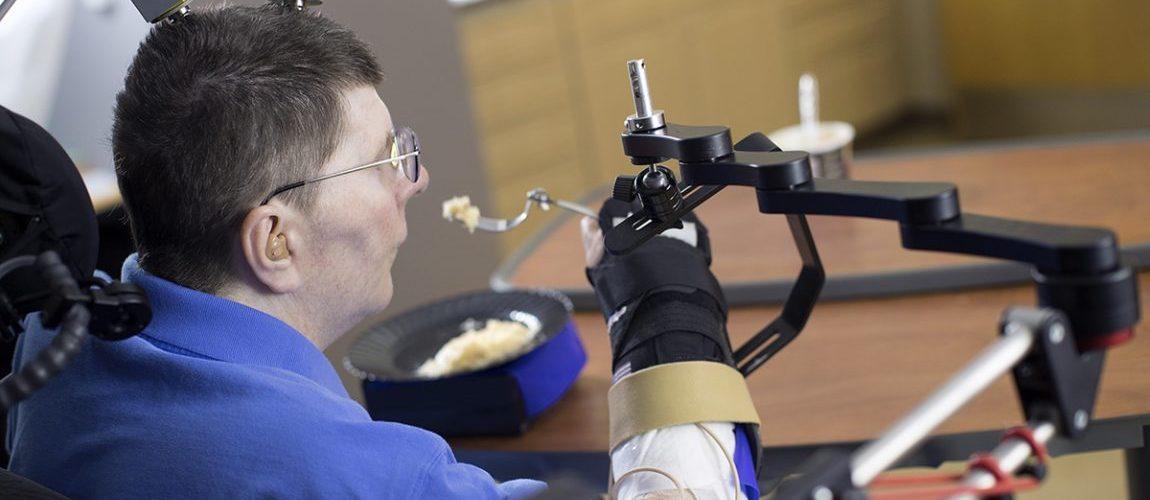 Beyin implantıyla bilgisayar kontrolü