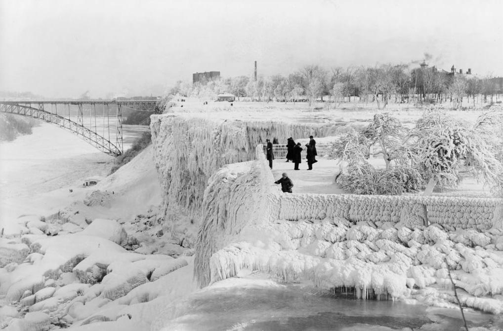 1948 yılında donmuş Niagara Şelalesi