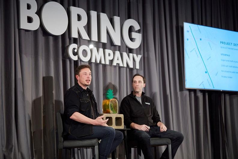 Elon Musk boring company hakkında yöneltilen soruları yanıtlıyor.